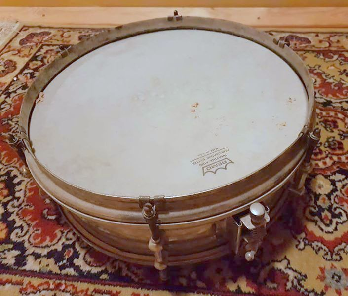 Unknown European snare top