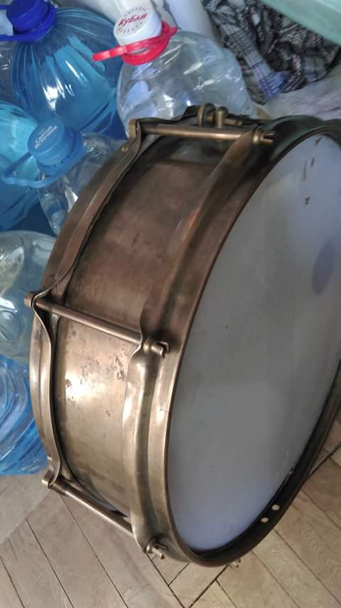 Unknown European snare flanged rims