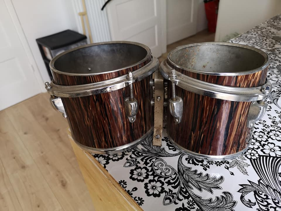 Unknown metal shell bongos